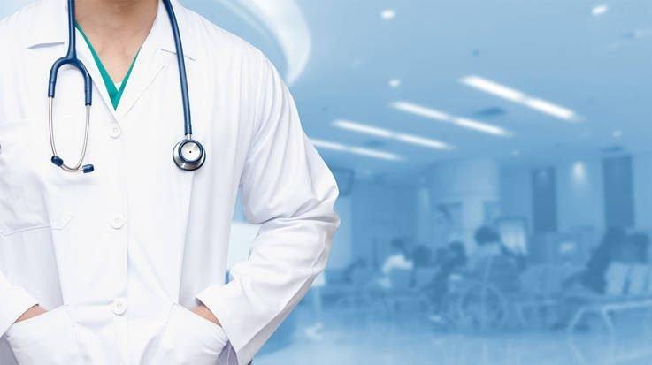 Nueva Zelanda ofrece trabajo a médicos sin MIR y por seis mil euros mensuales
